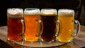11335510-R3L8T8D-650-BeerAlive
