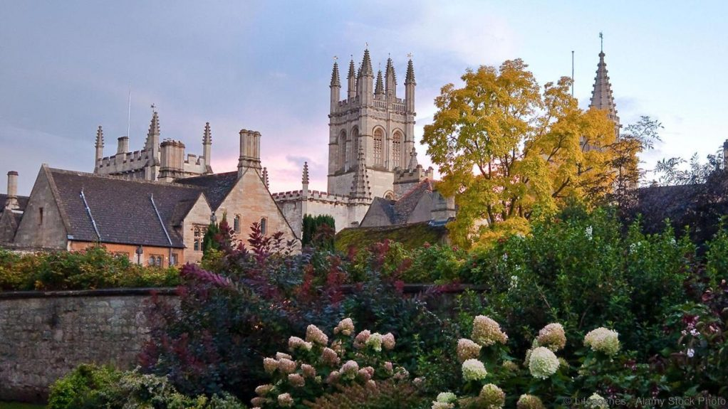 C22RME Nice image of Magdelen College in Oxford